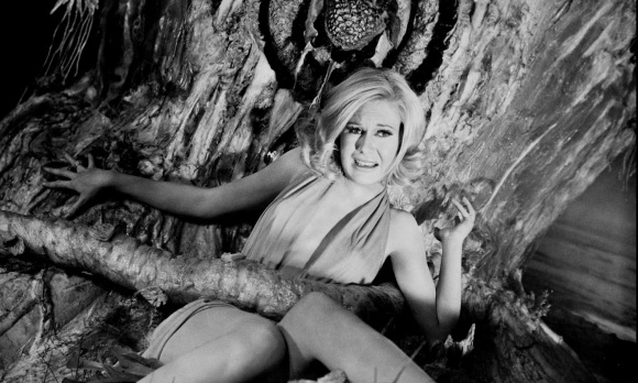 Suzanna Leigh The Lost Continent 1968